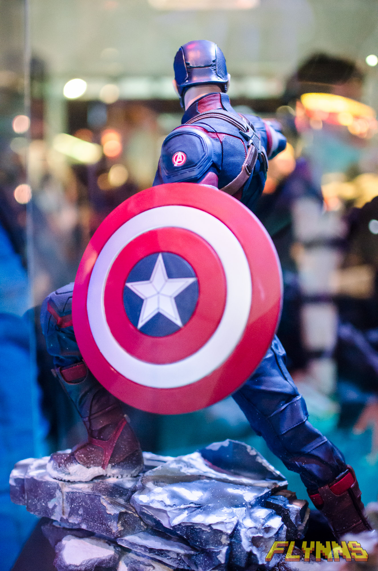 IRON STUDIOS: CAPTAIN AMERICA AVENGERS AGE OF ULTRON LEGACY 1/4 SCALE GMC5012